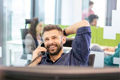 VoIP Telefonanlagen bieten ein enormes Sparpotenzial. Mit diesem Kostenvergleich können Sie Ihre Ersparnis berechnen.